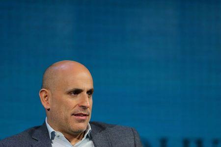 Walmart head of U.S. online business to step down