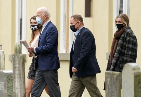 tagreuters.com2020binary_LYNXMPEG9P07V-VIEWIMAGE Pence staff hit by COVID-19 outbreak as Biden says Trump has surrendered to pandemic Politics [your]NEWS