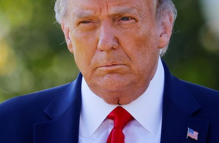 tagreuters.com2021binary_LYNXMPEH1M03G-VIEWIMAGE U.S. Supreme Court sets the stage for release of Trump tax returns Top Stories U.S. [your]NEWS