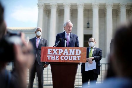 Cool reception for Democratic proposal to expand U.S. Supreme Court