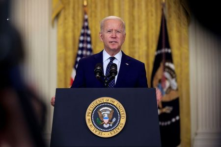 tagreuters.com2021binary_LYNXMPEH3G0AT-VIEWIMAGE After criticism, Biden says he will raise U.S. cap on refugee admissions Featured Politics [your]NEWS
