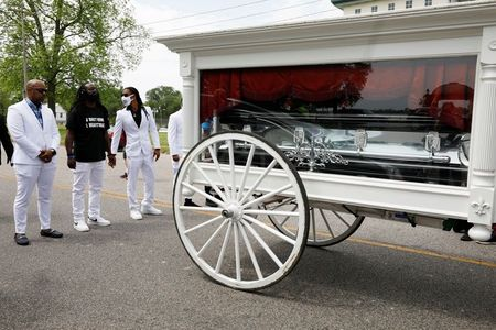 tagreuters.com2021binary_LYNXMPEH420SM-VIEWIMAGE At North Carolina funeral of Black man shot dead by police, mourners call for reform U.S. [your]NEWS