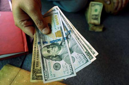 Improved risk appetite keeps dollar depressed