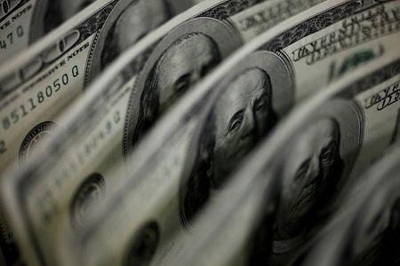 U.S. stock funds draw $2.2 billion in week: Lipper