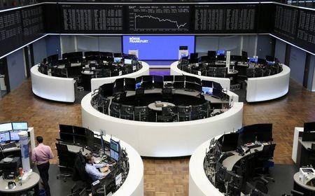 European stocks end four weeks of gains on lockdown, vaccine worries