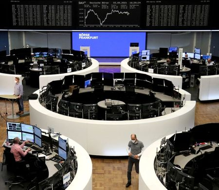 tagreuters.com2021binary_LYNXMPEH4308L-VIEWIMAGE European shares dragged down by tech's worst day since October Business [your]NEWS