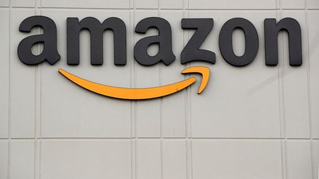 tagreuters.com2021binary_LYNXMPEH0C1K8-VIEWIMAGE Parler asks U.S. court to order Amazon to restore service to social media app Business [your]NEWS