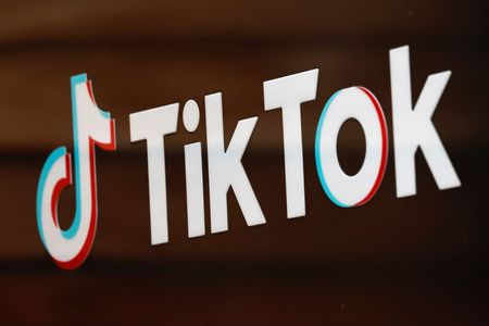 tagreuters.com2021binary_LYNXMPEH0L1FQ-VIEWIMAGE Italy tells TikTok to block users after death of young girl Business [your]NEWS