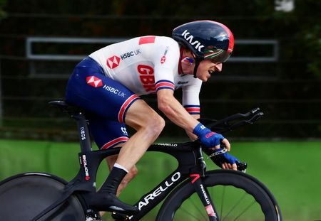 Cycling: Thomas dislocates shoulder in training fall but escapes fracture