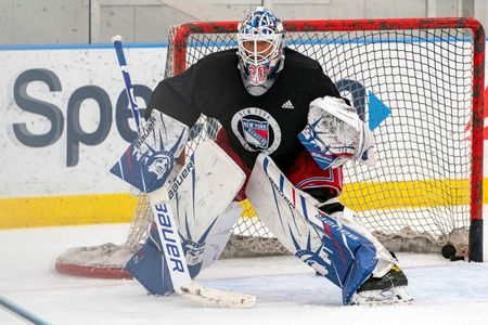 NHL: Lundqvist recovering from open-heart surgery, in 'really good hands'