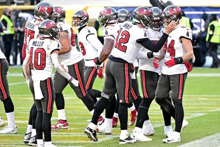 tagreuters.com2021binary_LYNXMPEH0O00U-VIEWIMAGE No place like home: Bucs first team to vie for Super Bowl prize on home turf Football Sports [your]NEWS