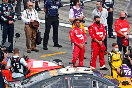 Wallace's Daytona 500 car fails inspection, stars at rear