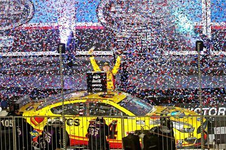 Michael McDowell wins crash-filled Daytona 500