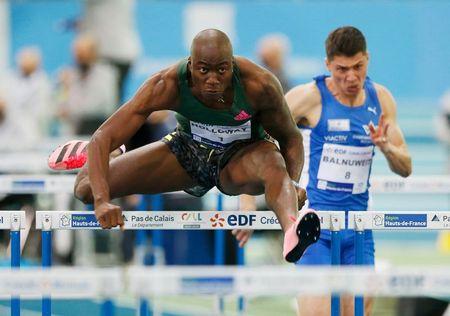 Holloway breaks world indoor 60m hurdles record