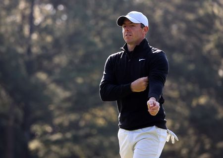 Keeping it simple, McIlroy ready to fix swing on the fly