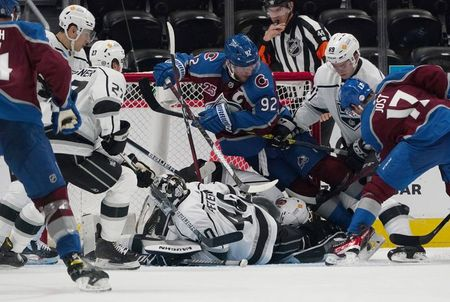 NHL roundup: Avalanche win Presidents' Trophy