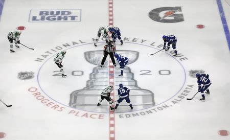 Report: NHL wants answer on Canada border crossing soon
