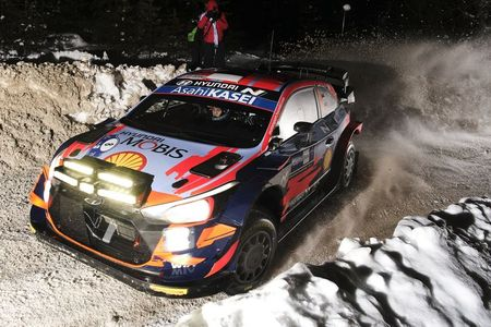 Tanak extends Arctic lead as Ogier digs himself out of a snowbank