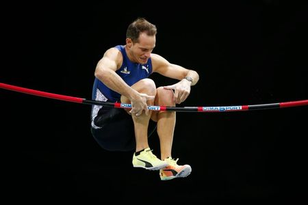 Lavellenie out of pole vault event with calf injury