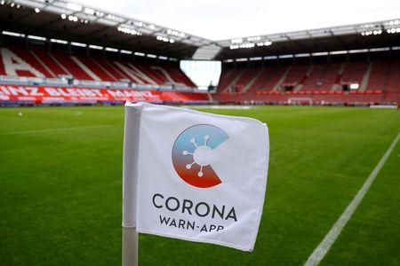 Give the coronavirus app bonus benefits to increase downloads, German state says