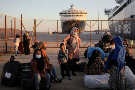 tagreuters.com2021binary_LYNXMPEH0D0QH-VIEWIMAGE Greece seeks to send 1,450 migrants back to Turkey World [your]NEWS