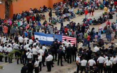Guatemalan security forces begin clearing U.S.-bound migrant caravan