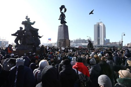 tagreuters.com2021binary_LYNXMPEH0M0FO-VIEWIMAGE Police crack down on Russian protests against jailing of Kremlin foe Navalny World [your]NEWS