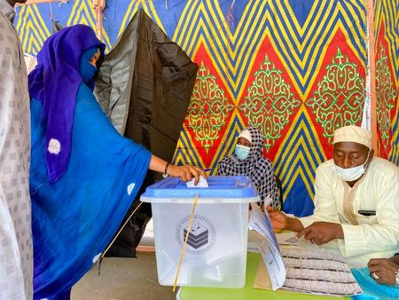 Chad count votes as Deby seeks sixth term after 30 years in power