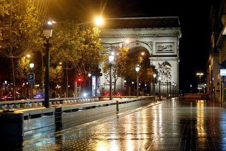 France must accept new national lockdown, says hospital professor