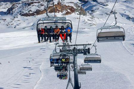 tagreuters.com2020binary_LYNXMPEGAK0EW-VIEWIMAGE 'People need mountains': Swiss ski resorts buck Alpine lockdowns World [your]NEWS