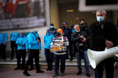 tagreuters.com2021binary_LYNXMPEH1M0Q9-VIEWIMAGE Greek doctors protest 'suffocating' conditions at COVID-19 clinics World [your]NEWS