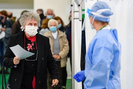 New protocols, vaccine supplies to boost Italy's vaccination campaign: minister to paper