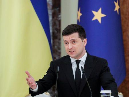 Ukraine says Putin snubs Russian troop build-up talks, Moscow lashes U.S