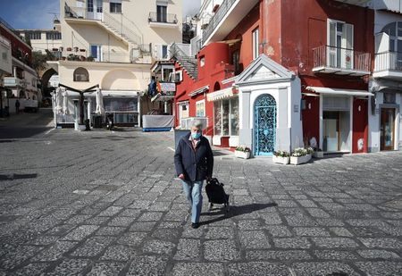 tagreuters.com2021binary_LYNXMPEH430DJ-VIEWIMAGE Capri, Italy's blue island, emerges from the pandemic blues World [your]NEWS